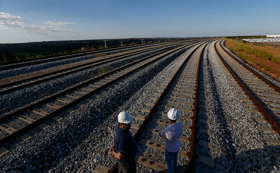 Ferroviário que trocava de turno a cada quatro meses tem direito a jornada de seis horas